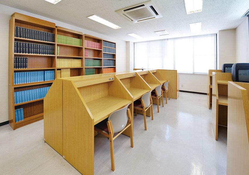 図書室(2)